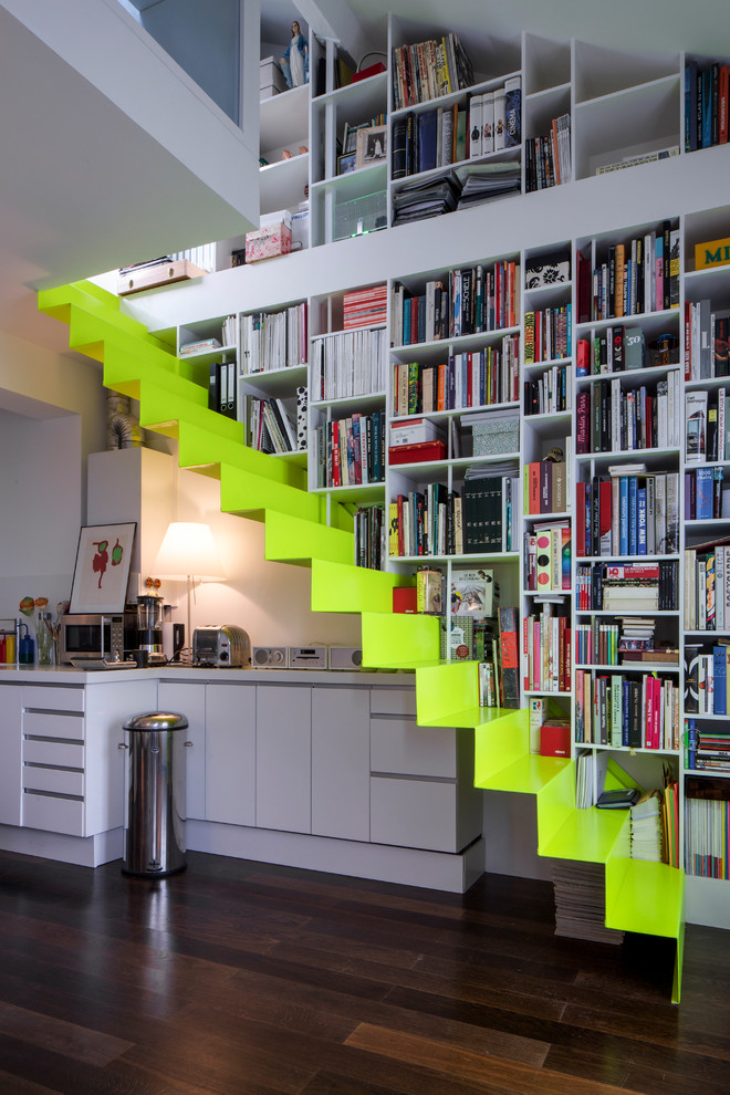 Mid-sized trendy acrylic floating staircase photo in Paris