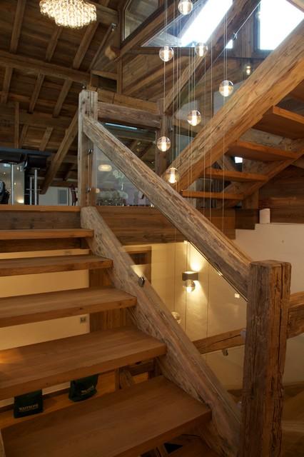 Chalet chardon contemporain escalier lyon par shep for Decoration descente escalier interieur