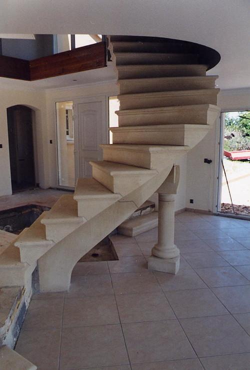 Escaliers en pierre for Escalier en pierre jardin