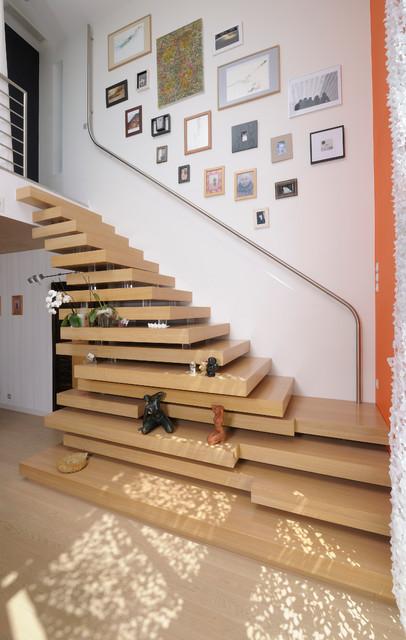 Construction d 39 une maison contemporaine contemporain for Escalier maison contemporaine
