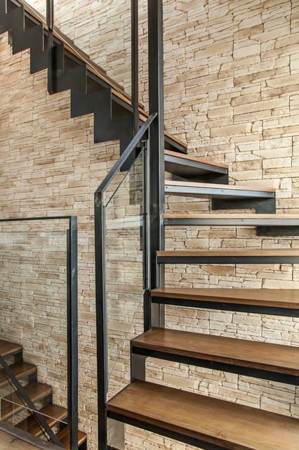 sur l vation de maison avec toit terrasse industriel escalier paris par myhomedesign. Black Bedroom Furniture Sets. Home Design Ideas