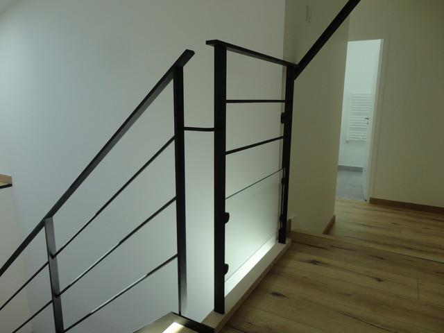 escalier acier bois et palier interm diaire verre verri re int rieure contemporary. Black Bedroom Furniture Sets. Home Design Ideas