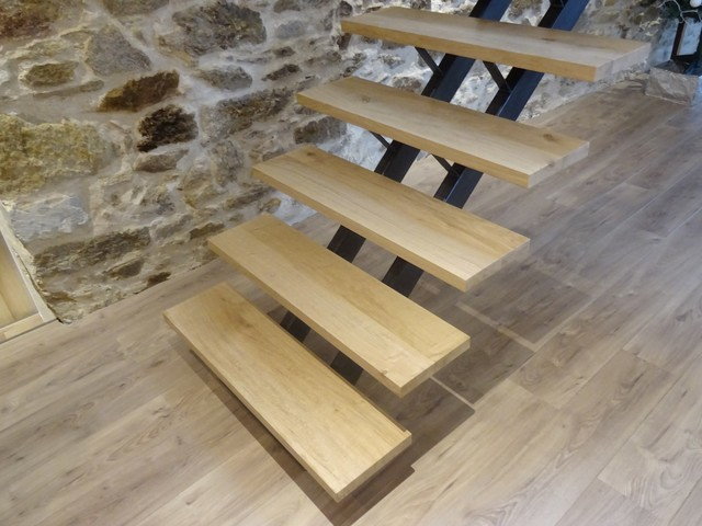 escalier acier patin noir marches ch ne massif. Black Bedroom Furniture Sets. Home Design Ideas