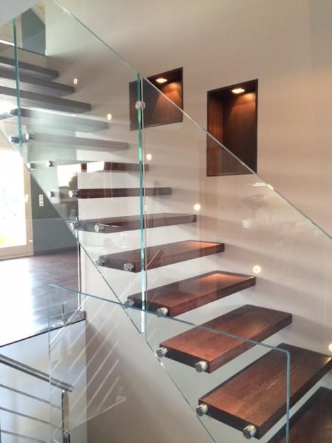 escalier autoportant balustrade en verre - Modern - Treppen ...