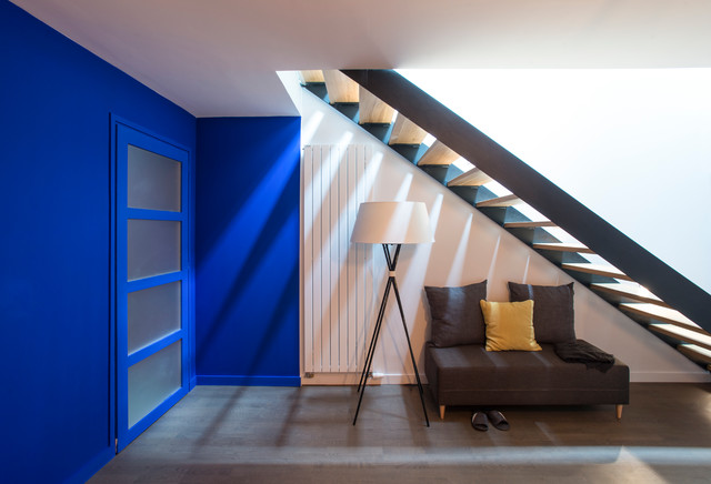 Escalier Contemporain Dans Une Vieille Table Transform E En Triplex Contemporary Staircase