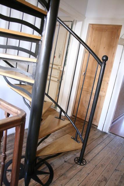 escalier m tal et bois. Black Bedroom Furniture Sets. Home Design Ideas