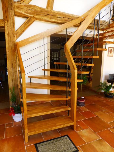 escalier nova dans une ferme r nov e contemporain. Black Bedroom Furniture Sets. Home Design Ideas