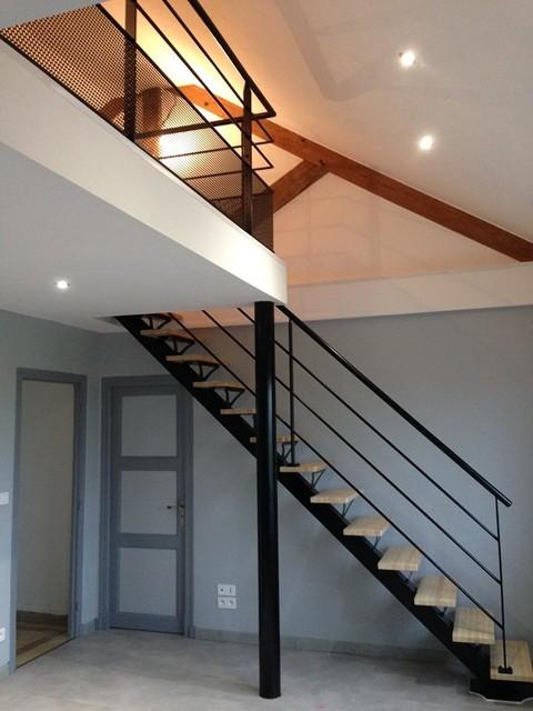 escalier poutre centrale mezzanine - Modern - Staircase ...
