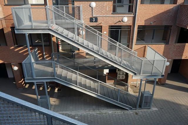 escaliers e r p vol es droites et passerelles industriel escalier lille par billiet. Black Bedroom Furniture Sets. Home Design Ideas