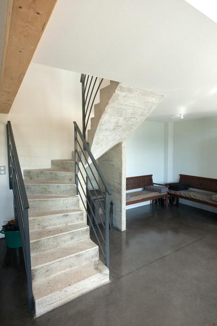 extension d 39 un moulin industrial staircase dijon by atelier correia. Black Bedroom Furniture Sets. Home Design Ideas