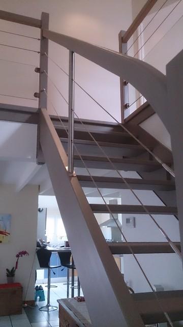 garde corps bois et inox int rieur remplissage c bles inox et verre contemporain escalier. Black Bedroom Furniture Sets. Home Design Ideas