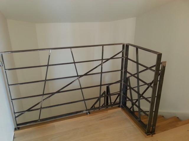 garde corps d 39 tage industriel escalier nice par. Black Bedroom Furniture Sets. Home Design Ideas