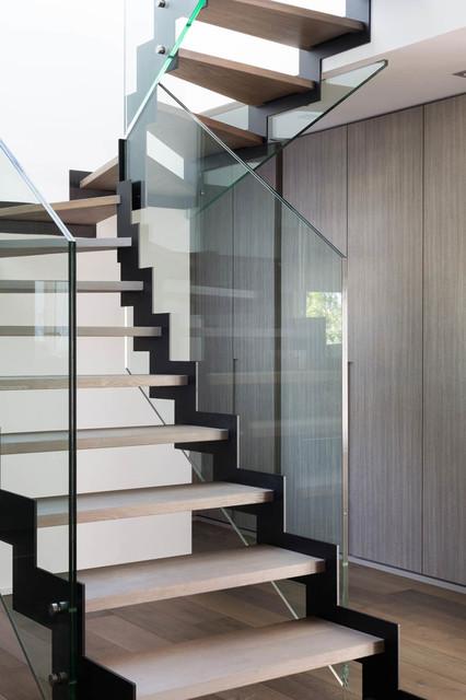 limons acier en z marches ch ne 1er choix rampes et garde corps vitr s contemporain. Black Bedroom Furniture Sets. Home Design Ideas