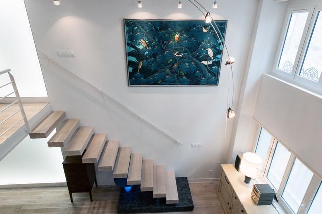 Loft plus lumineux, escalier à balancier, et mur lumineux ...