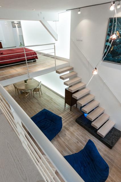 loft plus lumineux escalier balancier et mur lumineux. Black Bedroom Furniture Sets. Home Design Ideas