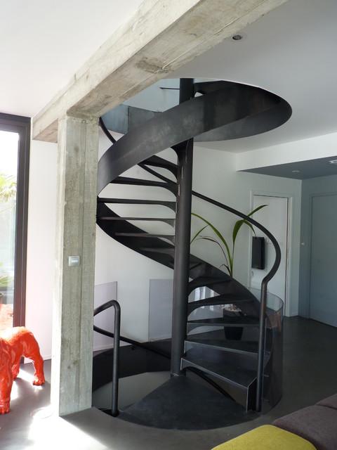 Maison contemporaine dompierre sur mer for Escalier maison contemporaine