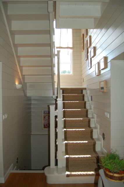 maison nouvelle angleterre classique chic escalier. Black Bedroom Furniture Sets. Home Design Ideas