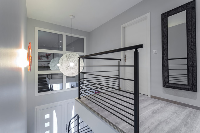 Palier Escalier Maison Familial Modern Staircase