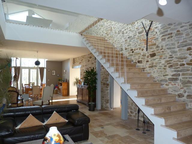 r alisation d 39 un escalier en travertin turc 1200x330x30 mm. Black Bedroom Furniture Sets. Home Design Ideas