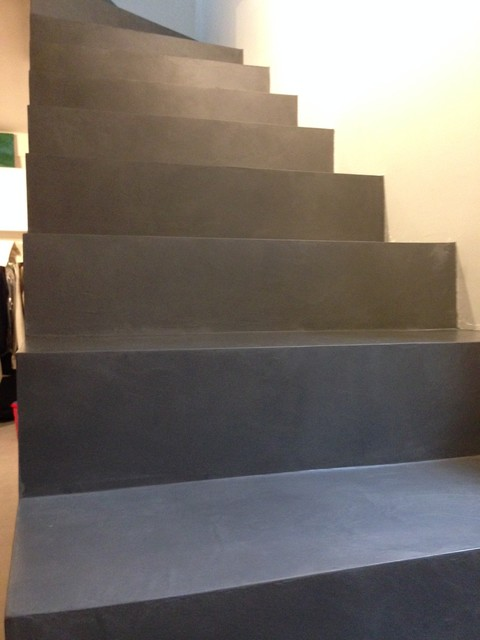 recouvrir escalier beton brut avec un mortier de surfacage beton cire. Black Bedroom Furniture Sets. Home Design Ideas