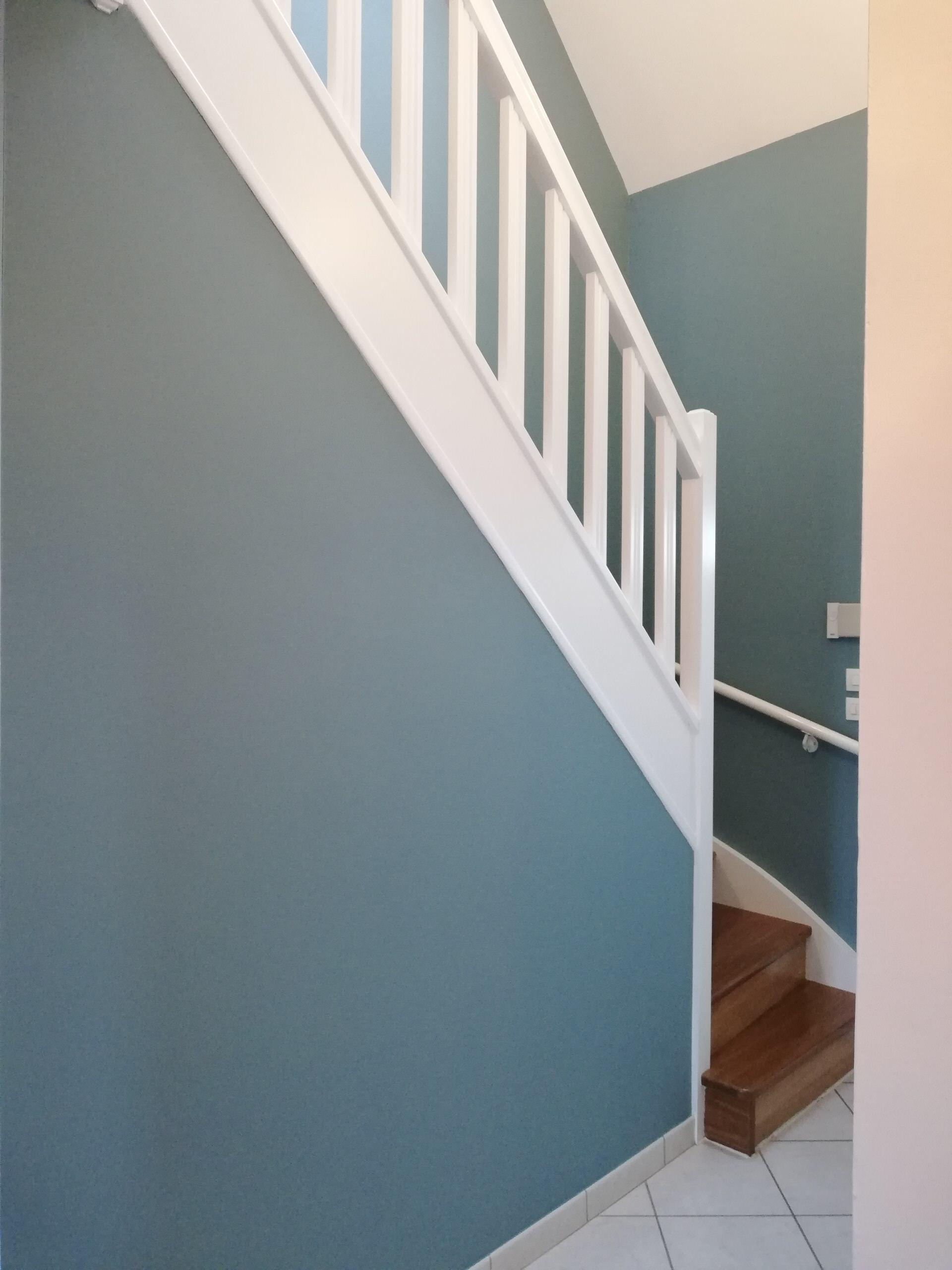 """Relooking d'un escalier avec Tatoo de chez """"Mercadier"""" et Flint de chez  """"Little"""