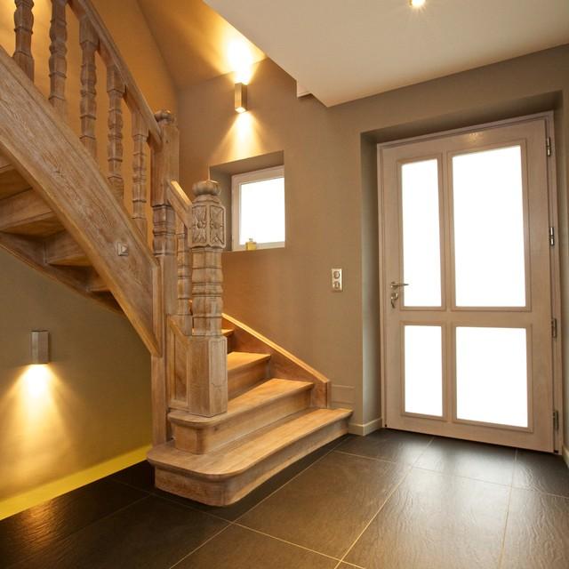 Relooking d 39 une entr e et d 39 un escalier en massif moderne escalier strasbourg par a3design for Deco entree avec escalier