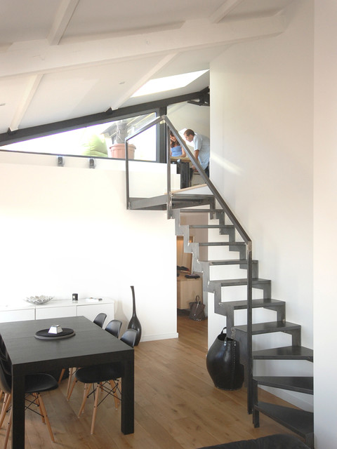 transformer les combles moderne escalier paris par studio d 39 archi. Black Bedroom Furniture Sets. Home Design Ideas
