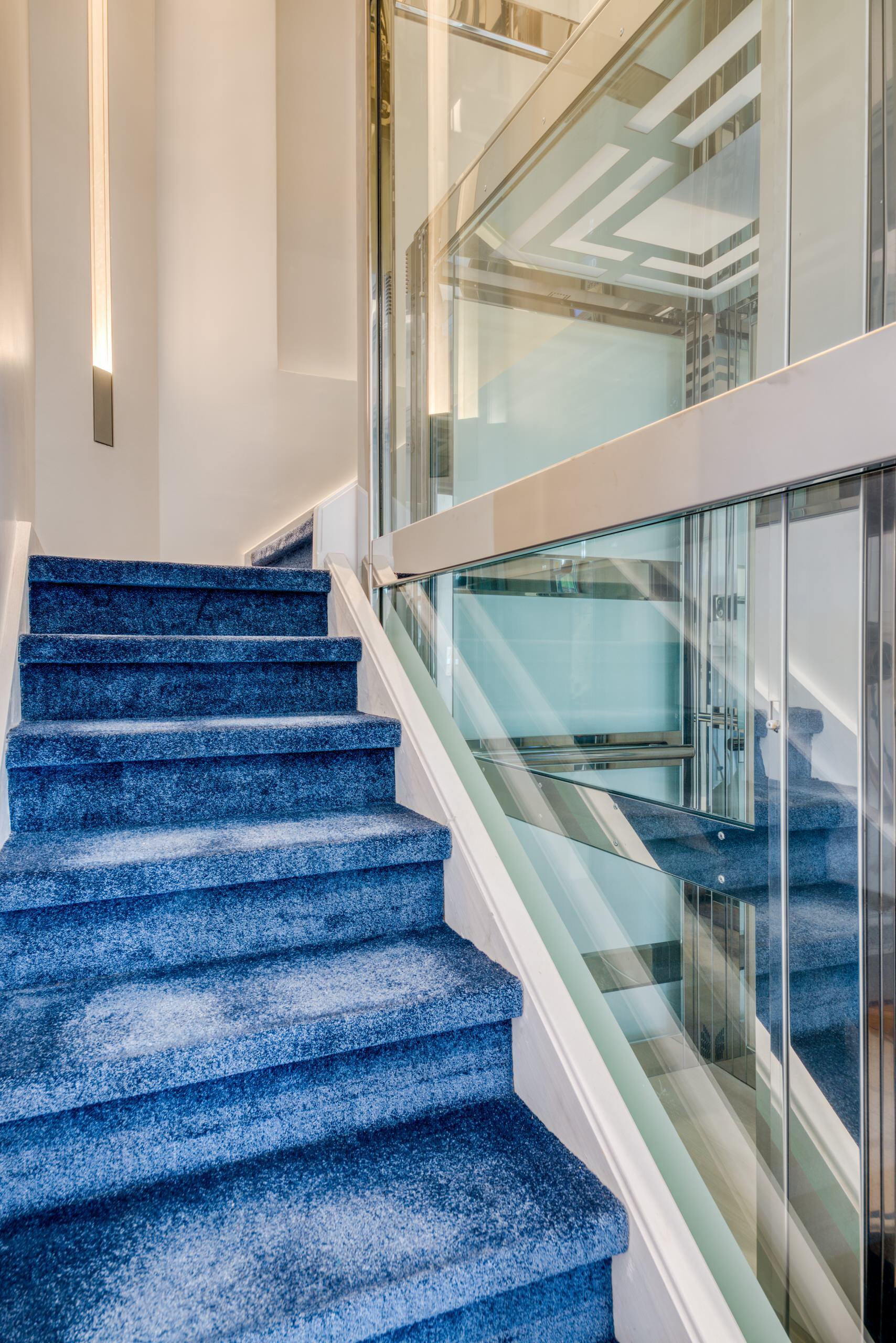Villa de 650 m2 à Saint-Germain-en-Laye - L'ascenseur