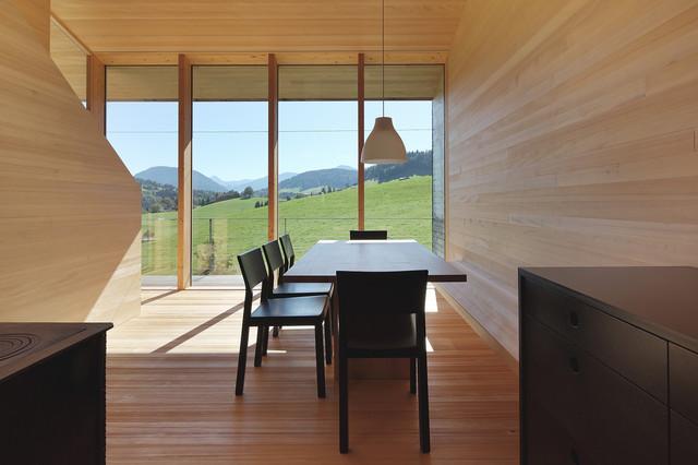 bienenhus wohnbereich mit wei tanne ausgekleidet minimalistisch esszimmer sonstige von. Black Bedroom Furniture Sets. Home Design Ideas