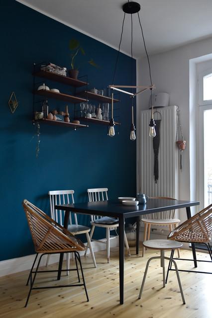 Esszimmer: Petrolblaue Wand Kombiniert Mit Vintage Charme  Scandinavian Dining Room