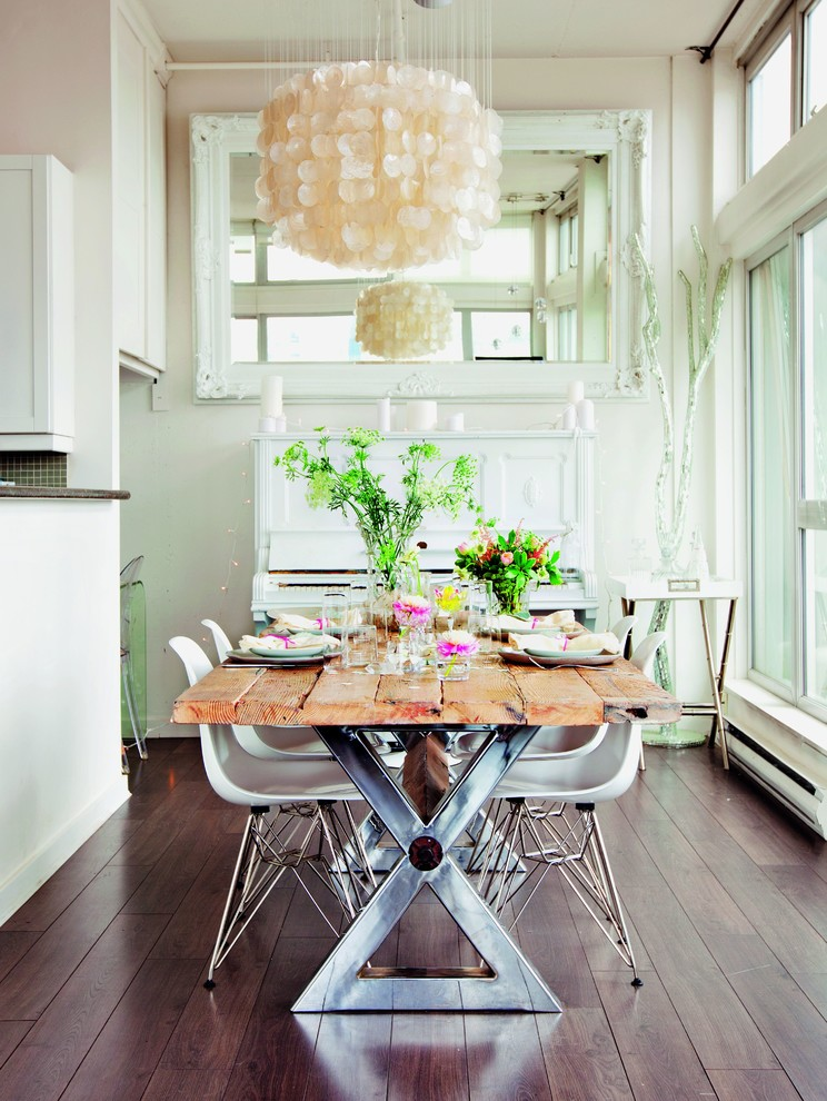Example of a cottage chic dark wood floor kitchen/dining room combo design in Munich with beige walls