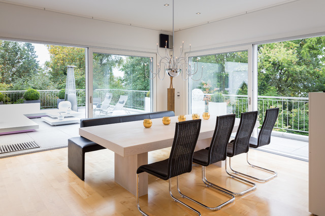 Interieur 1 contemporary dining room frankfurt by for M dining room frankfurt