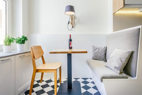 Bitte Abstand halten: Die richtigen Maße für Tisch, Wand und