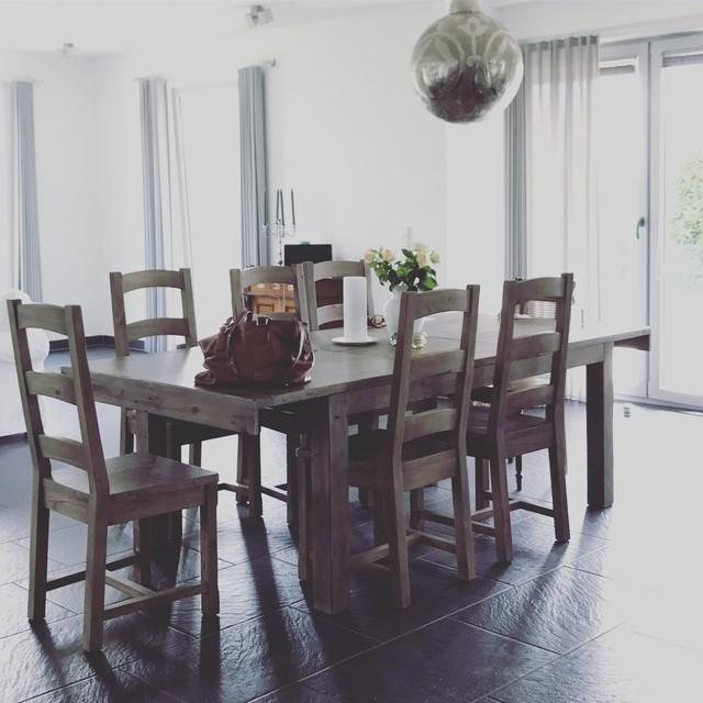 Elegant Open Dining/living Area Modern Esszimmer