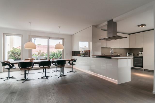penthouse munich modern esszimmer m nchen von egg and dart design corporation. Black Bedroom Furniture Sets. Home Design Ideas