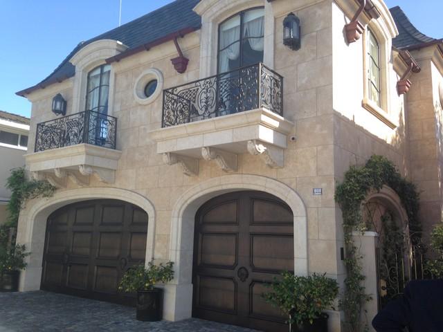 06 French Limestone Newport Beach Ca Traditional