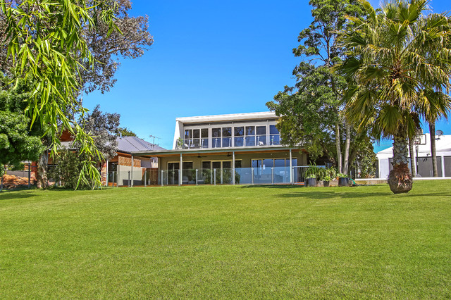 10 Stevenson Crt Yarrawonga For Sale Contemporary