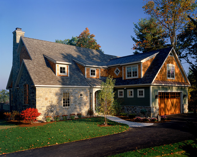 2001 showcase traditional exterior