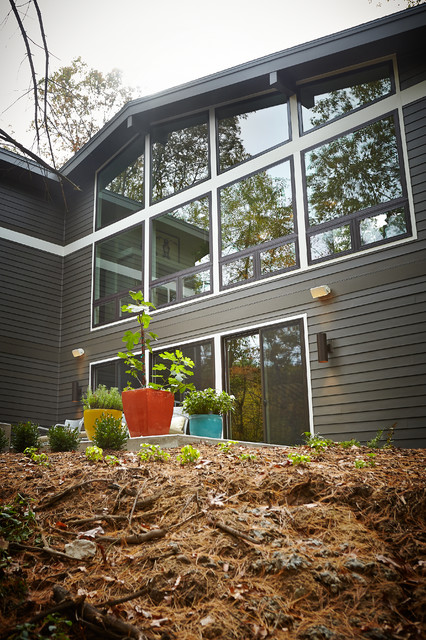 2013 Fall Parade of Homes as featured in Cosmopolitan Home Grand Rapids, photos midcentury-exterior