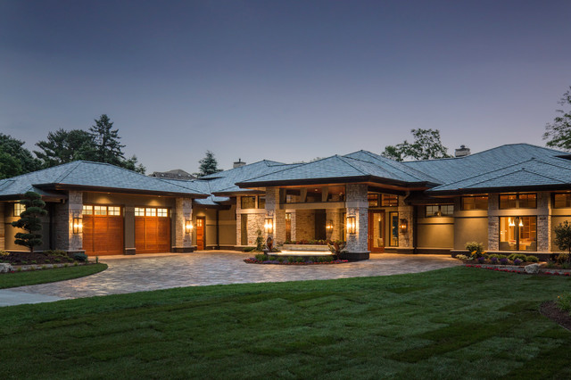 2015 Midwest Home Luxury Home 13 Bruce Lenzen Design