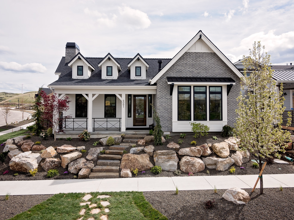 Example of a country exterior home design in Boise