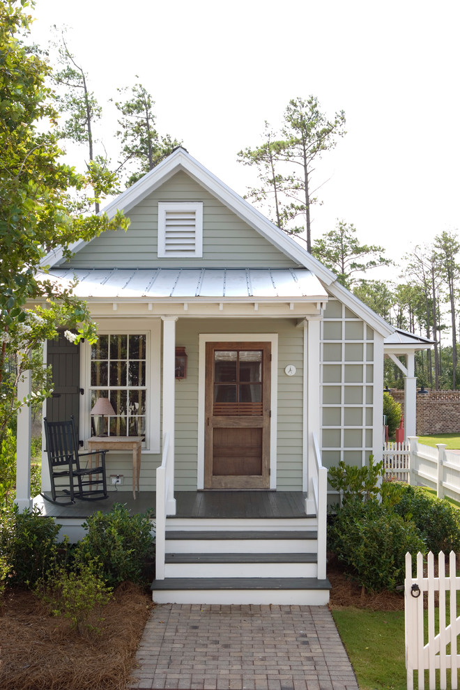 Inspiration for a small cottage gray one-story exterior home remodel in Atlanta