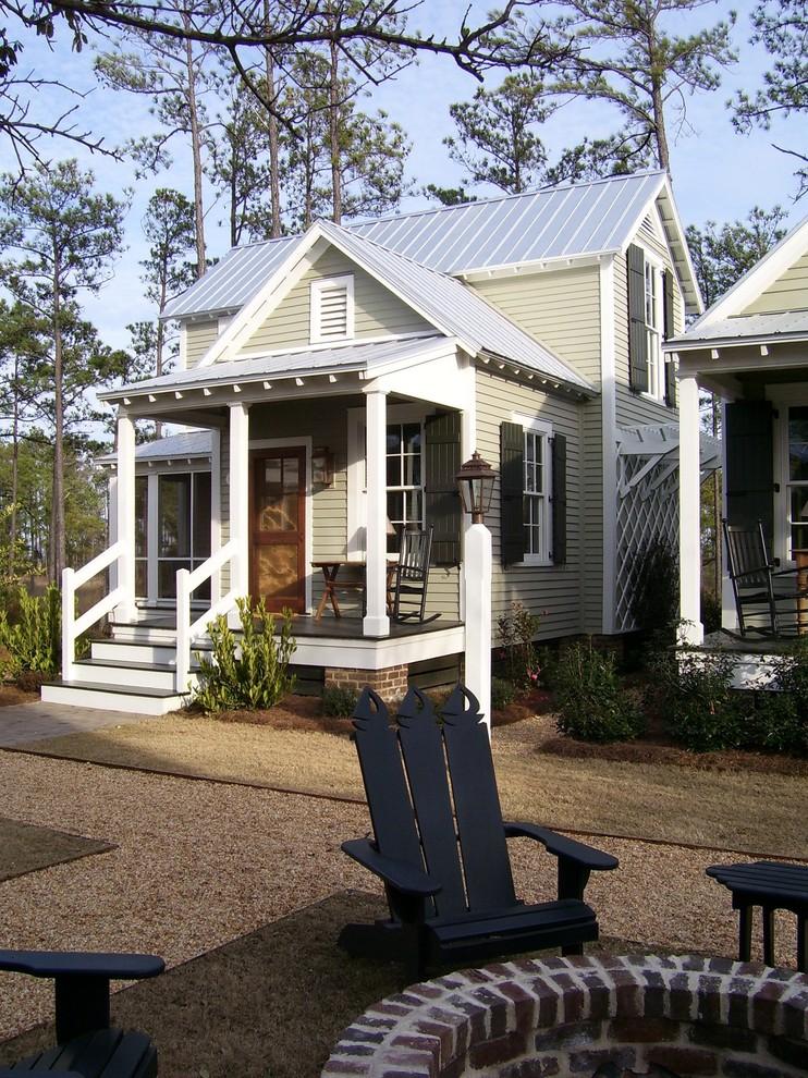 Country beige tiny house idea in Atlanta