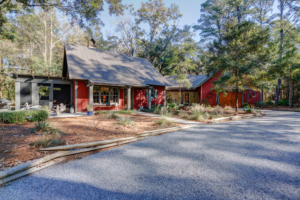 Example of a cottage exterior home design in Atlanta