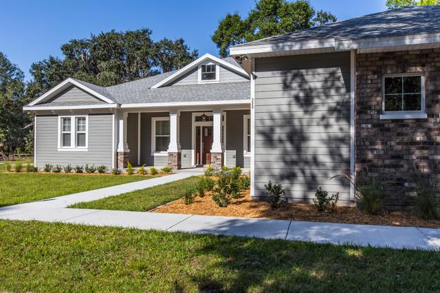 3 212 sf florida craftsman home craftsman exterior for Craftsman homes for sale in florida
