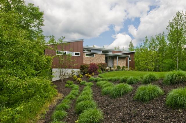 3,500 Sq. Ft. Custom Home contemporary-exterior