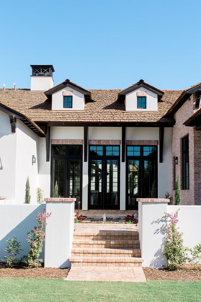 Elegant exterior home photo in Phoenix