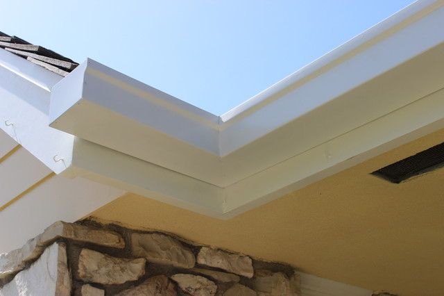 6 inch Box Style Gutters in Lakewood CA. traditional-exterior