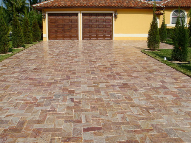 6x12 Autumn Blend Travertine Driveway Traditional