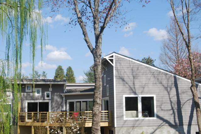 70 39 s contemporary makeover contemporary exterior for 70s house exterior